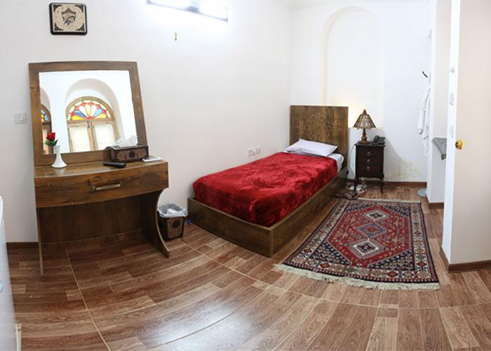 اتاق یک تخته هتل سنتی فاضلی یزد