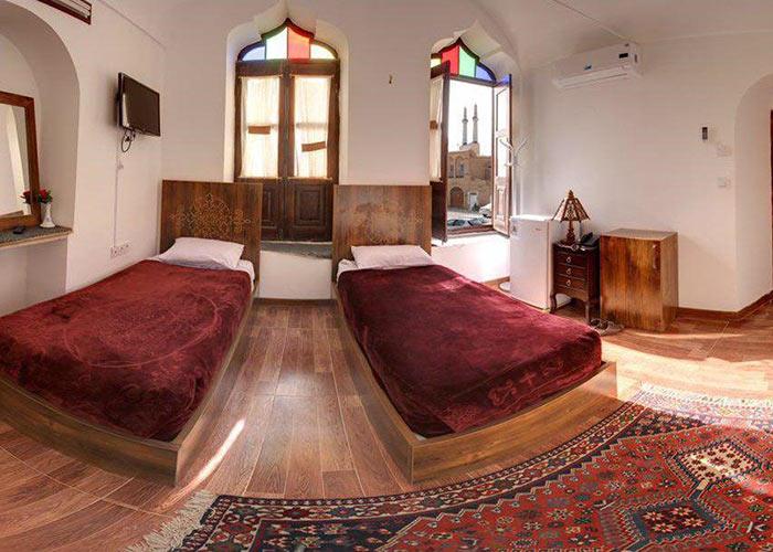 اتاق دو تخته هتل سنتی فاضلی یزد