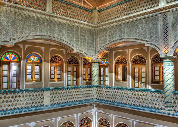 راهرو هتل سنتی فاضلی یزد
