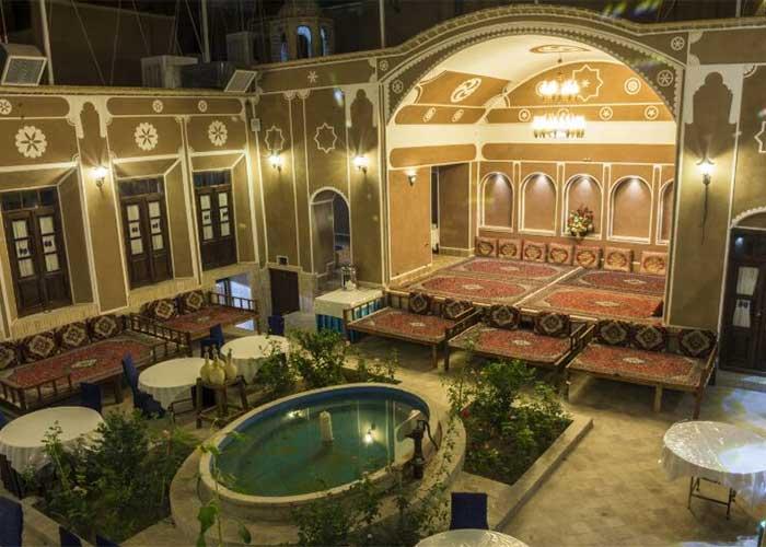 ساختمان هتل سنتی فیروزه یزد