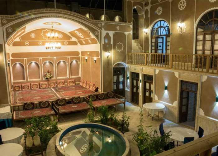 عکس ساختمان هتل سنتی فیروزه یزد