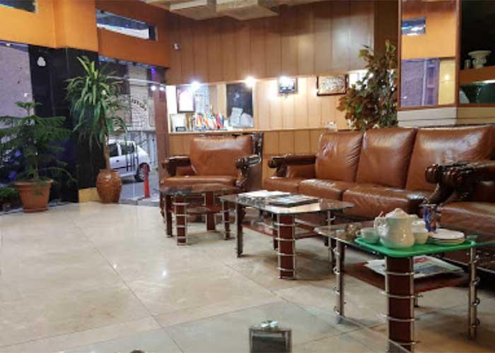 پذیرش هتل آپارتمان قصر اصفهان