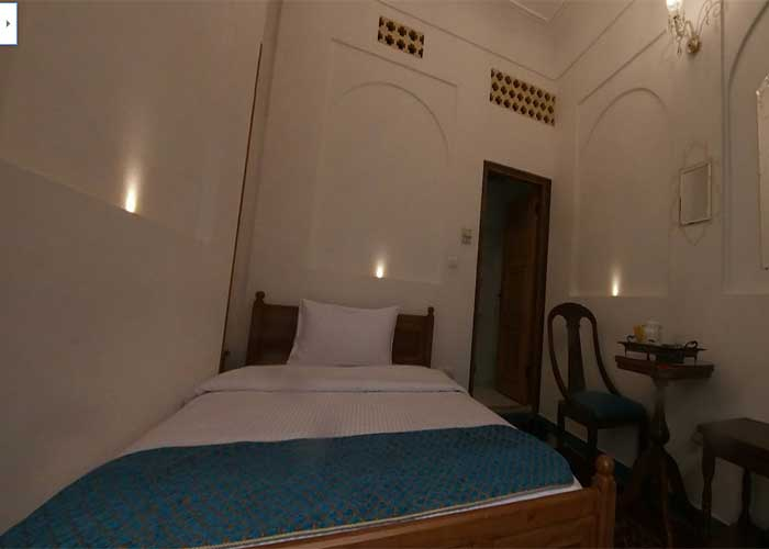 اتاق یک تخته هتل قصر منشی اصفهان