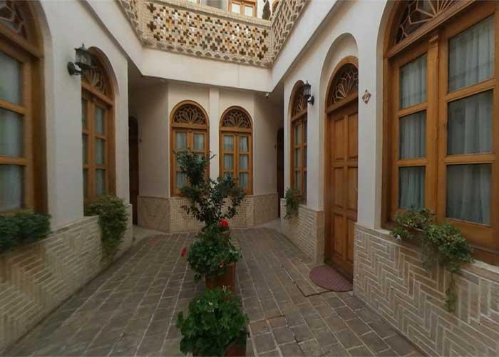 فضای داخلی  هتل قصر منشی اصفهان