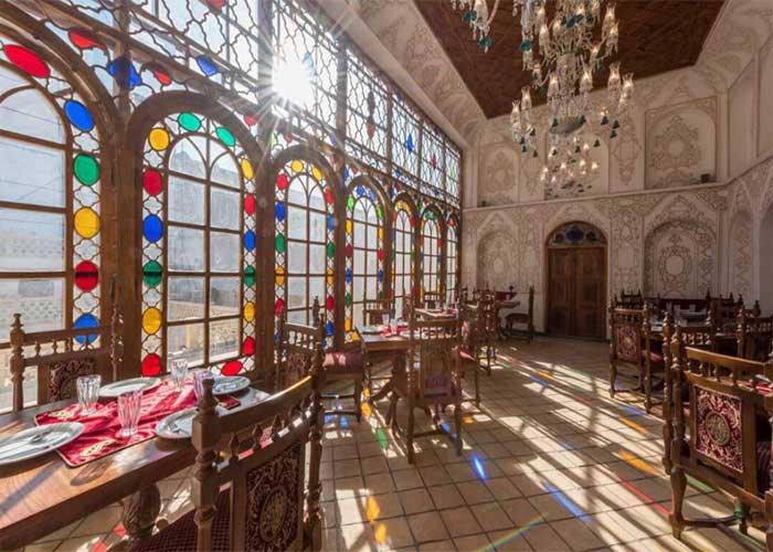 رستوران  هتل قصر منشی اصفهان