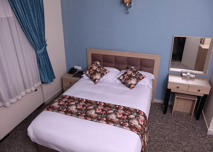 تصاویر اتاق هتل هالی