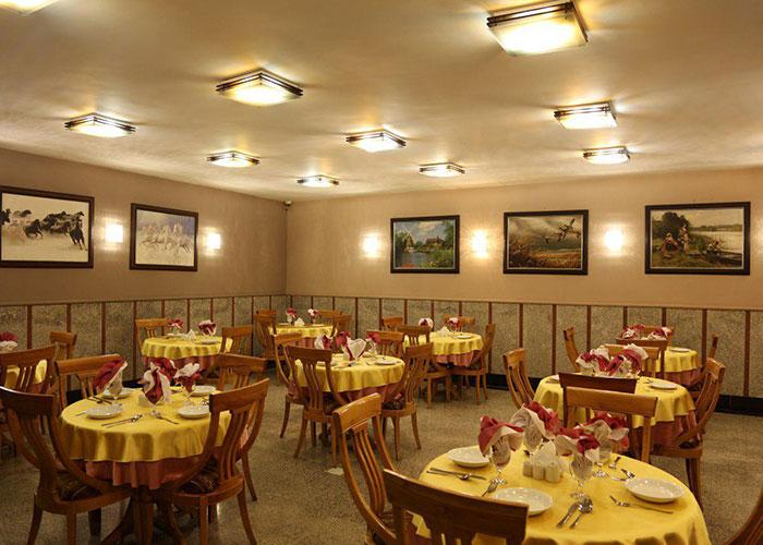 رستوران هتل هالی تهران