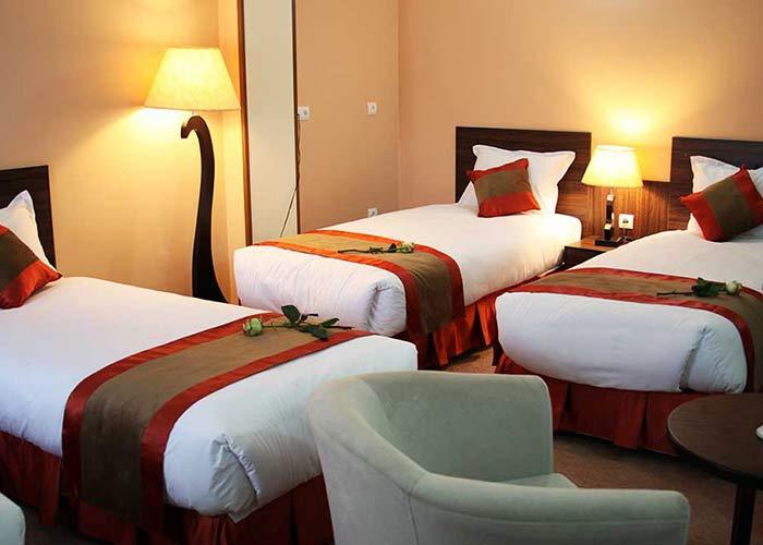 اتاق سه تخته هتل حجاب تهران
