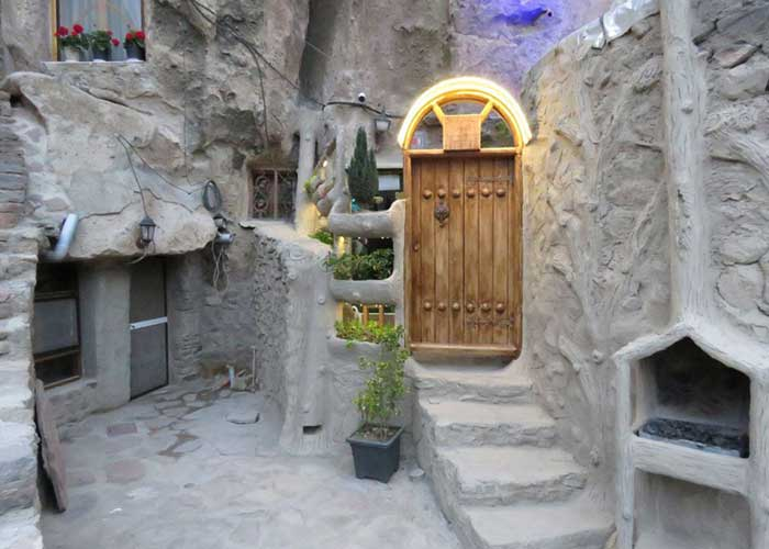 ورودی اقامتگاه بومگردی هما کندوان