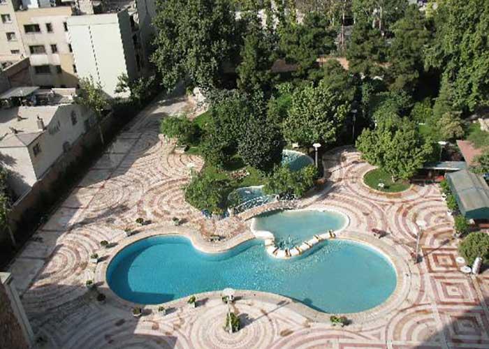 استخر روباز هتل هما تهران