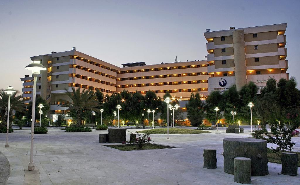 ساختمان هتل هرمز بندر عباس