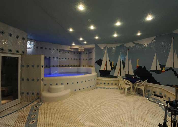 سونا و جکوزی هتل هویزه تهران
