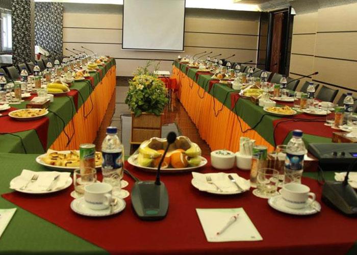سالن فرهنگ هتل هویزه تهران