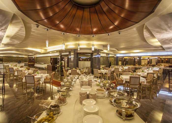 رستوران هتل هویزه تهران