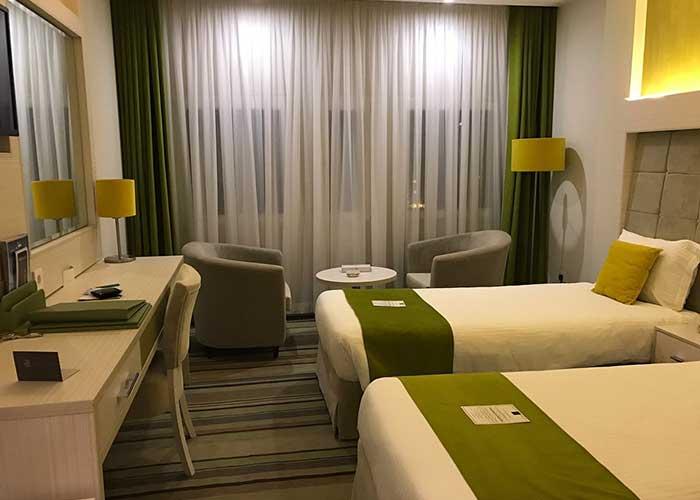 اتاق دو تخته توئین هتل هویزه تهران