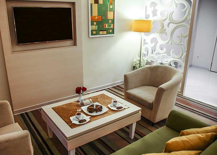 مبلمان اتاق های هتل هویزه تهران
