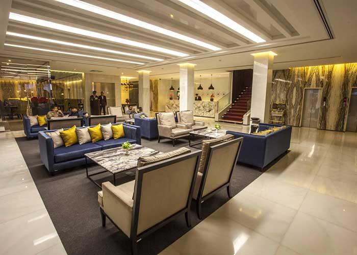 لابی هتل هویزه تهران