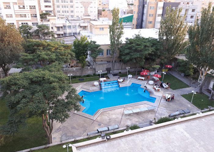 حیاط هتل بین المللی تبریز