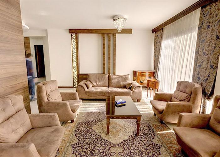 فضای نشیمن اتاق هتل بین المللی تبریز