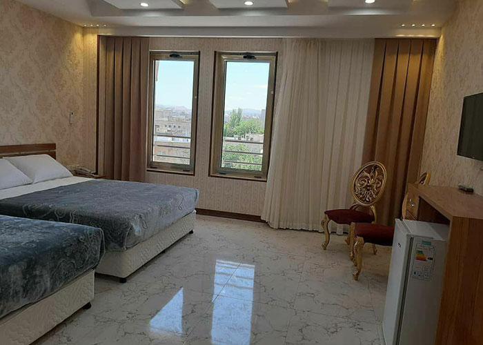 تصاویر اتاق سه تخته هتل ایران همدان