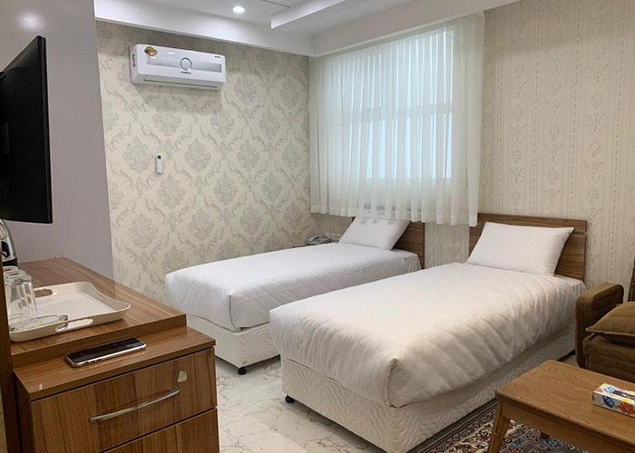 عکس اتاق دو تخته توئین هتل ایران همدان