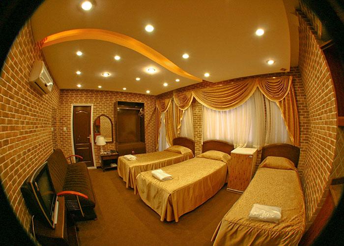 عکس اتاق سه تخته هتل جام جم شیراز