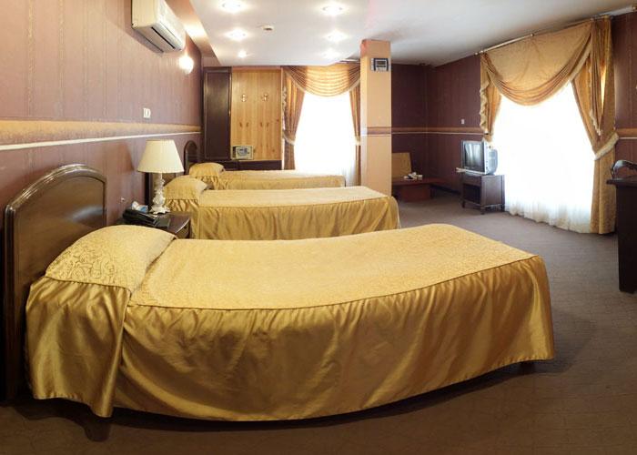 اتاق سه تخته هتل جام جم شیراز