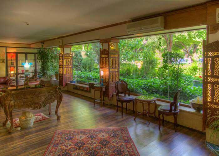 لابی هتل آپارتمان  چهل پنجره اصفهان