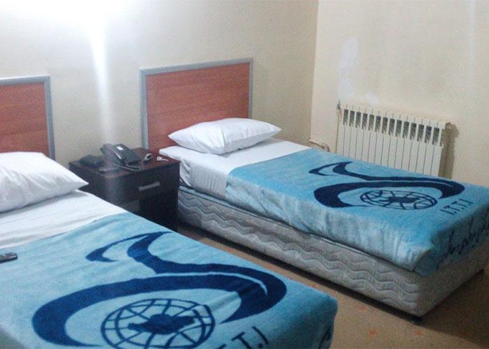 اتاق دو تخته توئین هتل جهانگردی جلفا