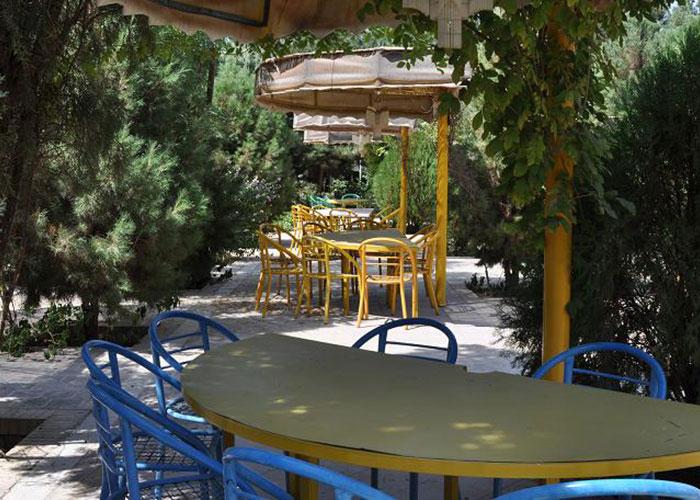 عکس محوطه هتل کاروان یزد