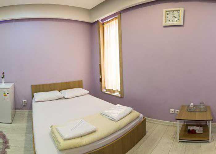 اتاق دو تخته هتل خانه رز کاشان