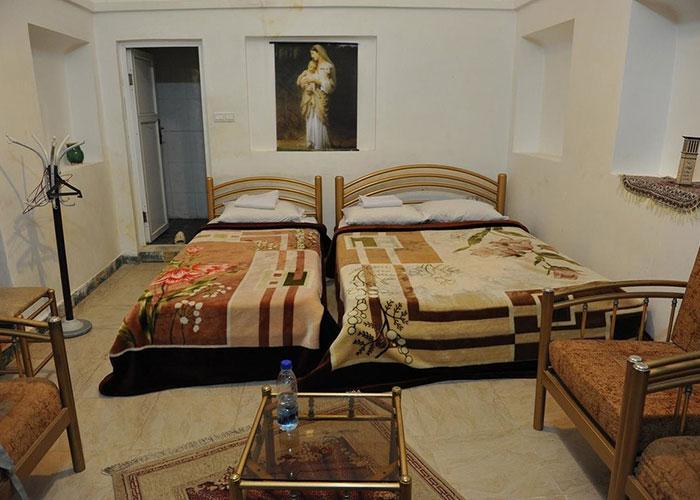 اتاق هتل سنتی کوروش یزد