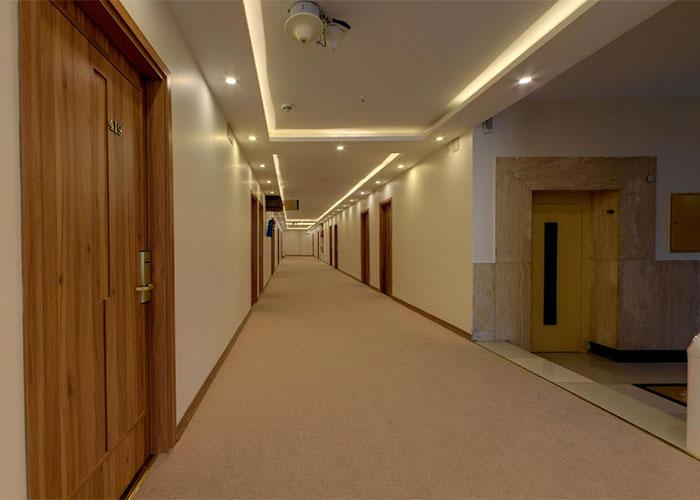 راهرو طبقات هتل کوثر تهران