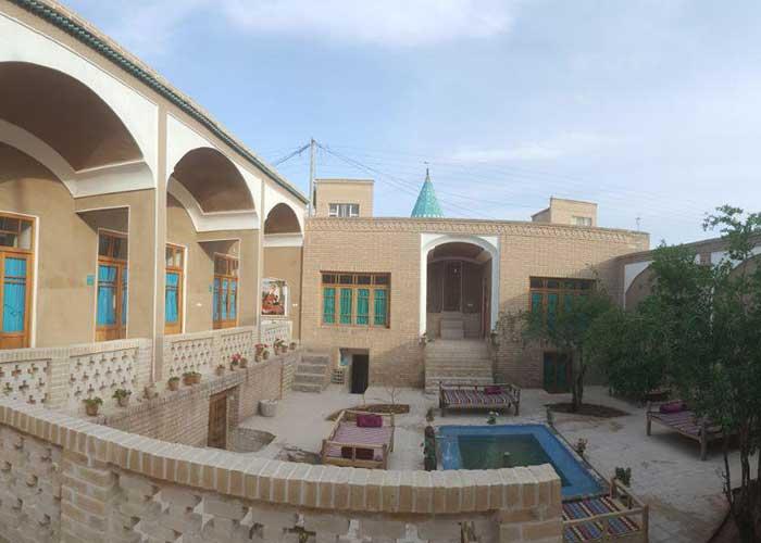 تصاویر حیاط کوشک آقا محمد قمصر