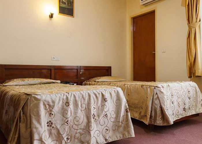 دو تخته توئین هتل کوثر شیراز