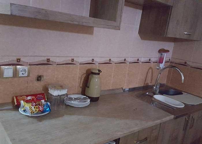 آشپزخانه اتاق هتل آپارتمان لبخند مشهد