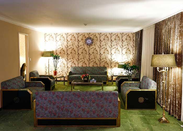 مبلمان اتاق هتل لاله تهران