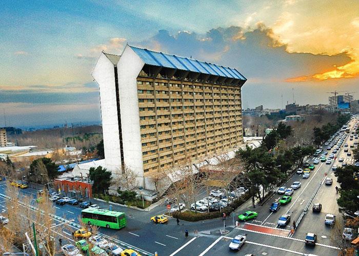 نمای ساختمان هتل لاله تهران
