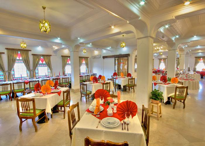تصاویر رستوران هتل لاله یزد