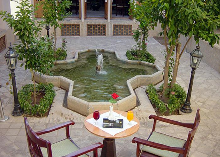 کافی شاپ هتل لاله یزد