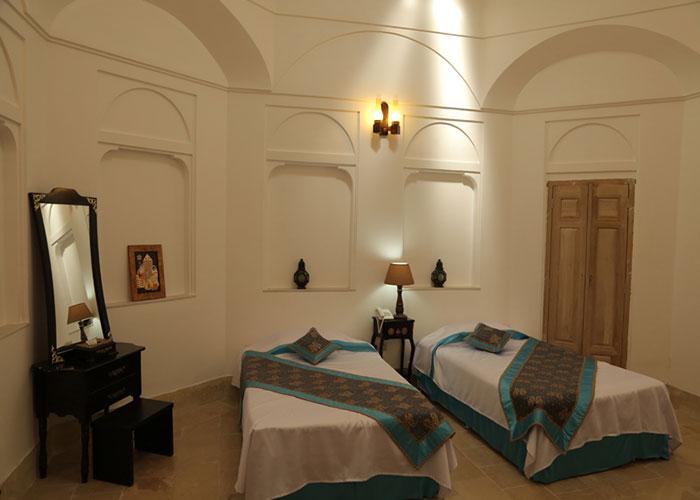 توئین هتل سنتی مهر یزد