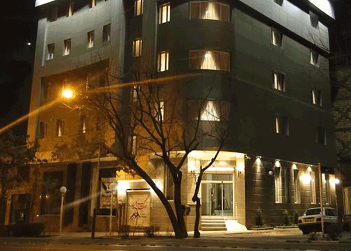 ساختمان هتل آپارتمان مهرگان تهران