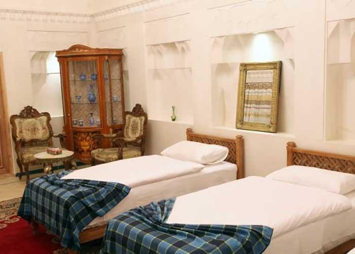 دو تخته توئین اقامتگاه سنتی مهینستان راهب کاشان