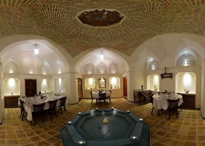 رستوران اقامتگاه سنتی مهینستان راهب کاشان