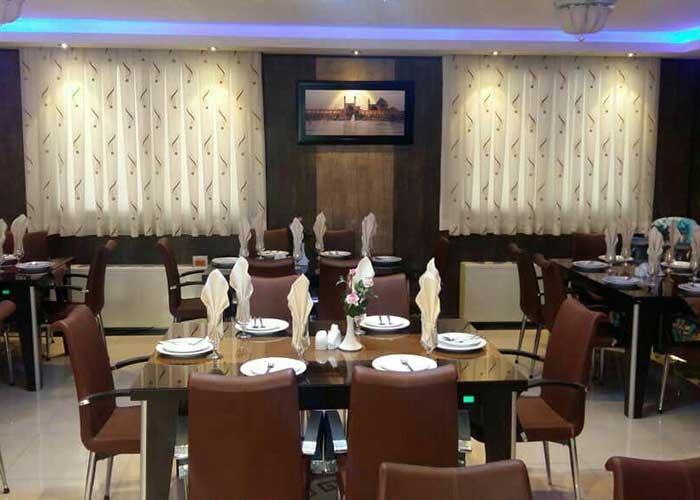 رستوران خانه مسافر مینوسا اصفهان
