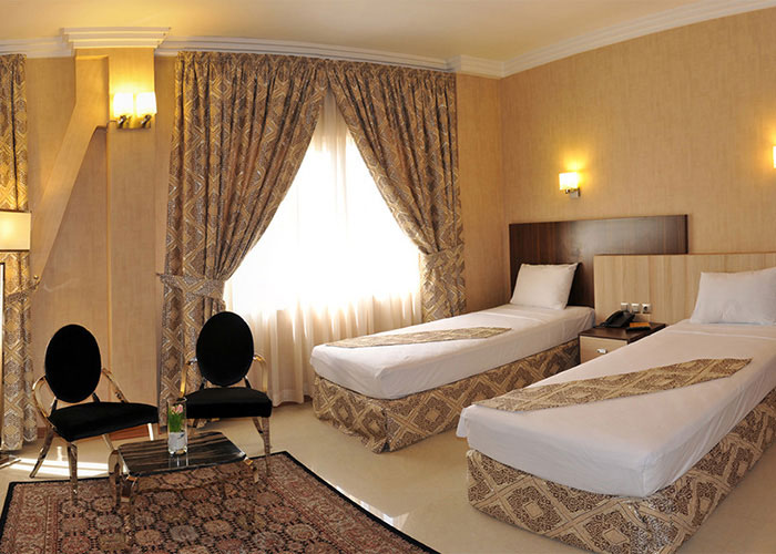 اتاق دو تخته توئین هتل منجی مشهد
