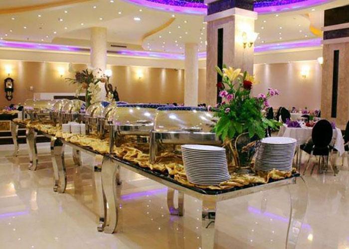 میز رستوران هتل منجی مشهد