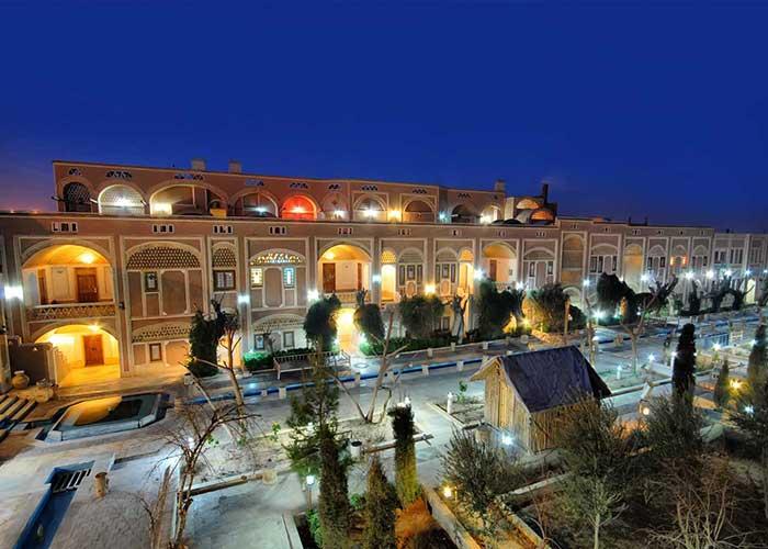 ساختمان هتل باغ مشیر الممالک یزد