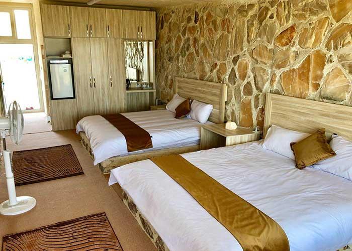 اتاق چهار تخته هتل نمکی مزرعه گردشگری خورشید دماوند