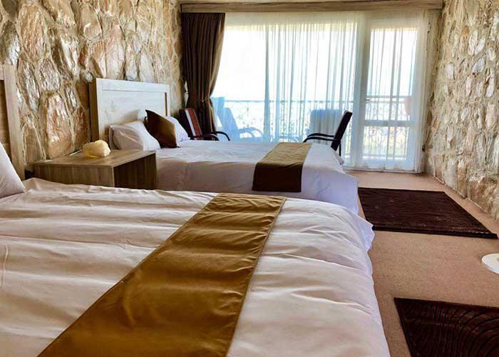 اتاق چهار تخته هتل نمکی
